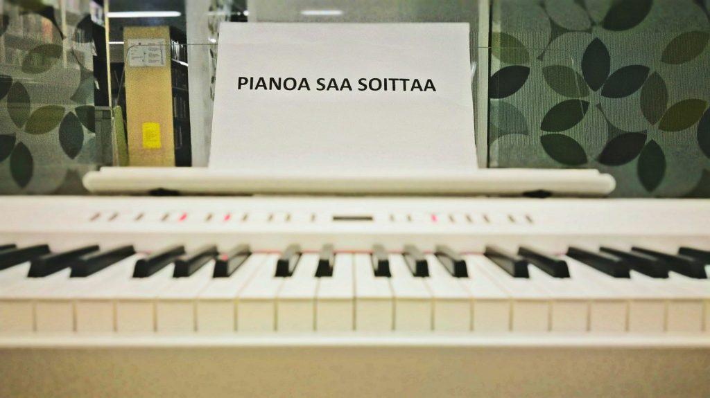 pianoa saa soittaa