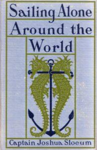 Sailing Alone Around the World -teoksen kansikuva vuodelta 1920. Kuvittaja tuntematon.